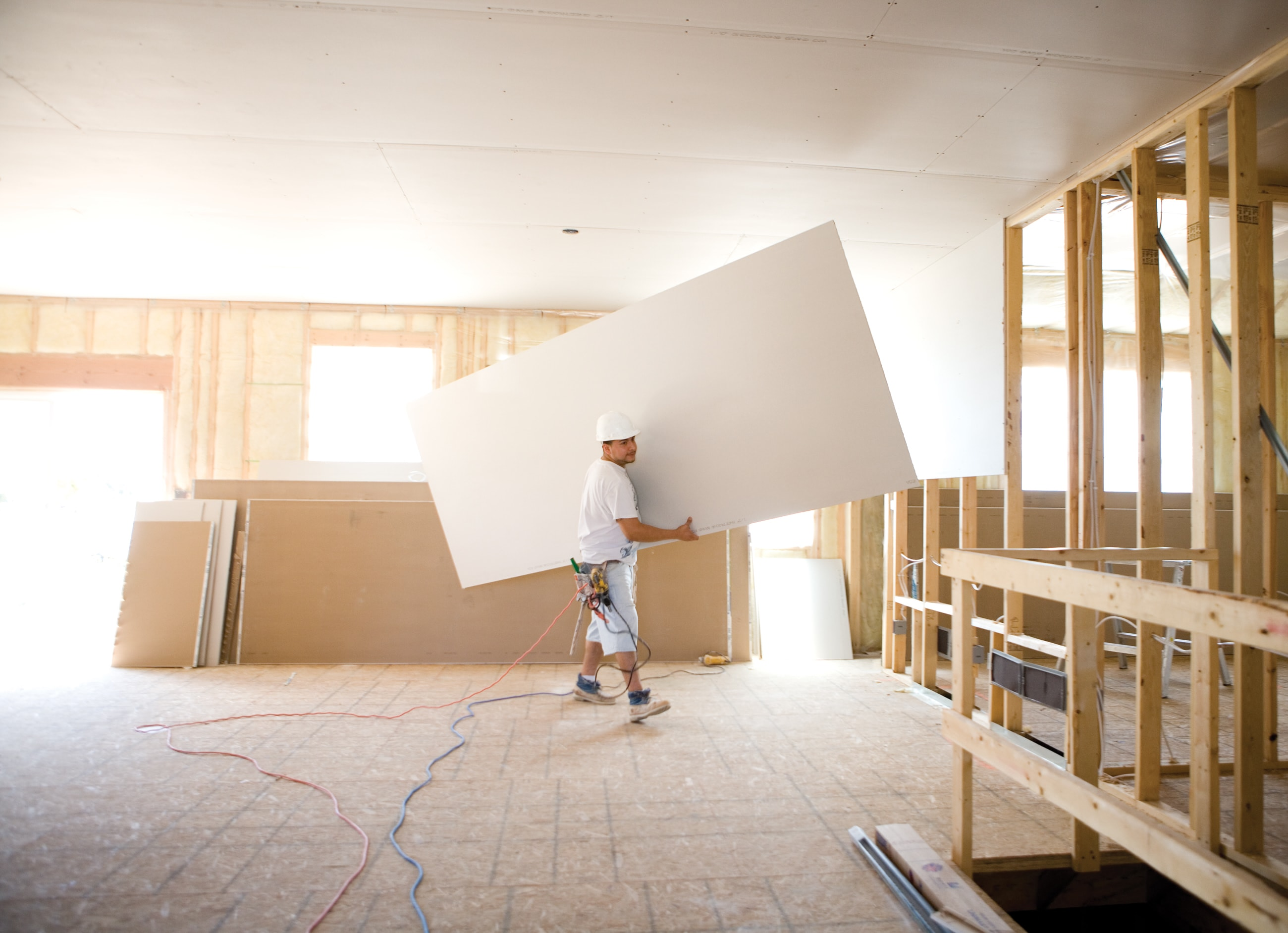 How to hang drywall on walls - Ultralight Drywall Man Hanging Ultralight Drywall