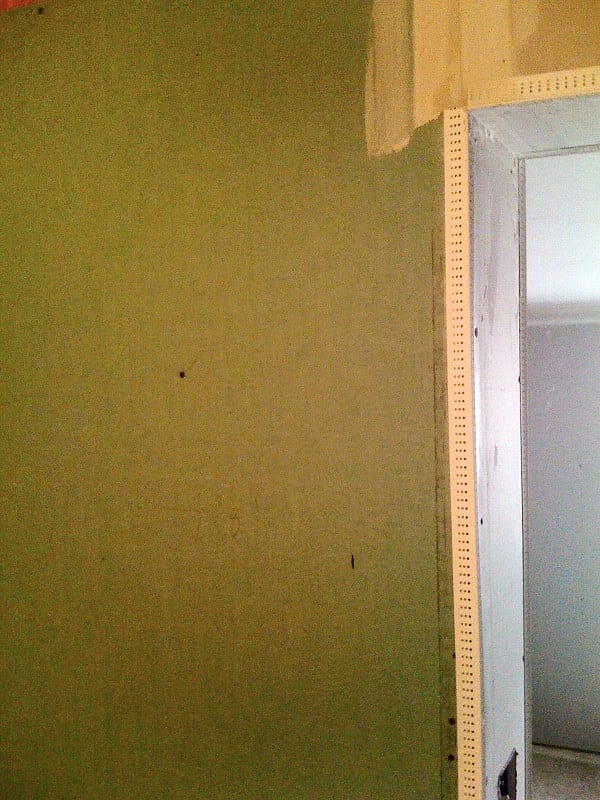 Picture Of Vinyl Corner Bead Installed On Moisture Resistant Green Board