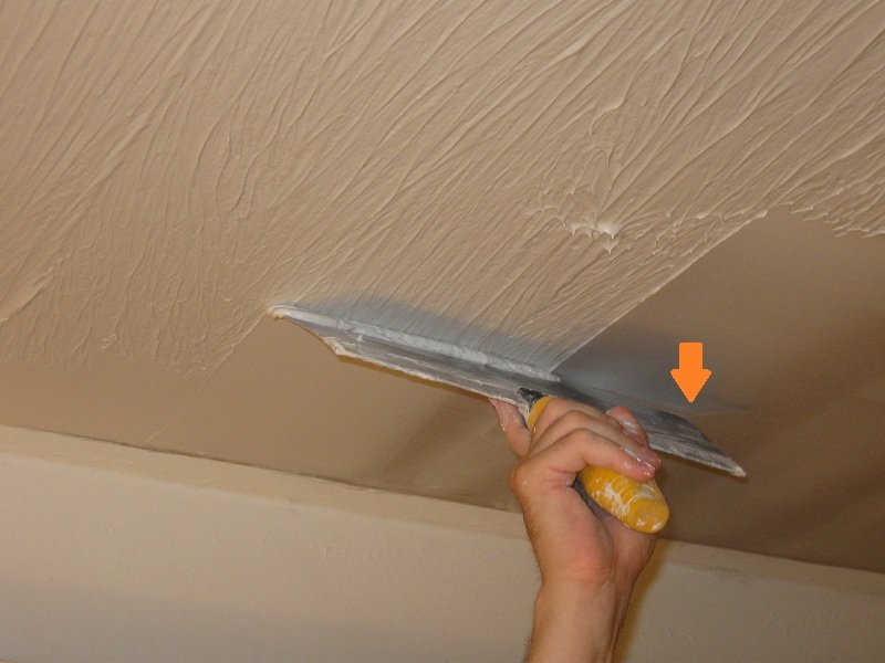 skimming drywall mud level five